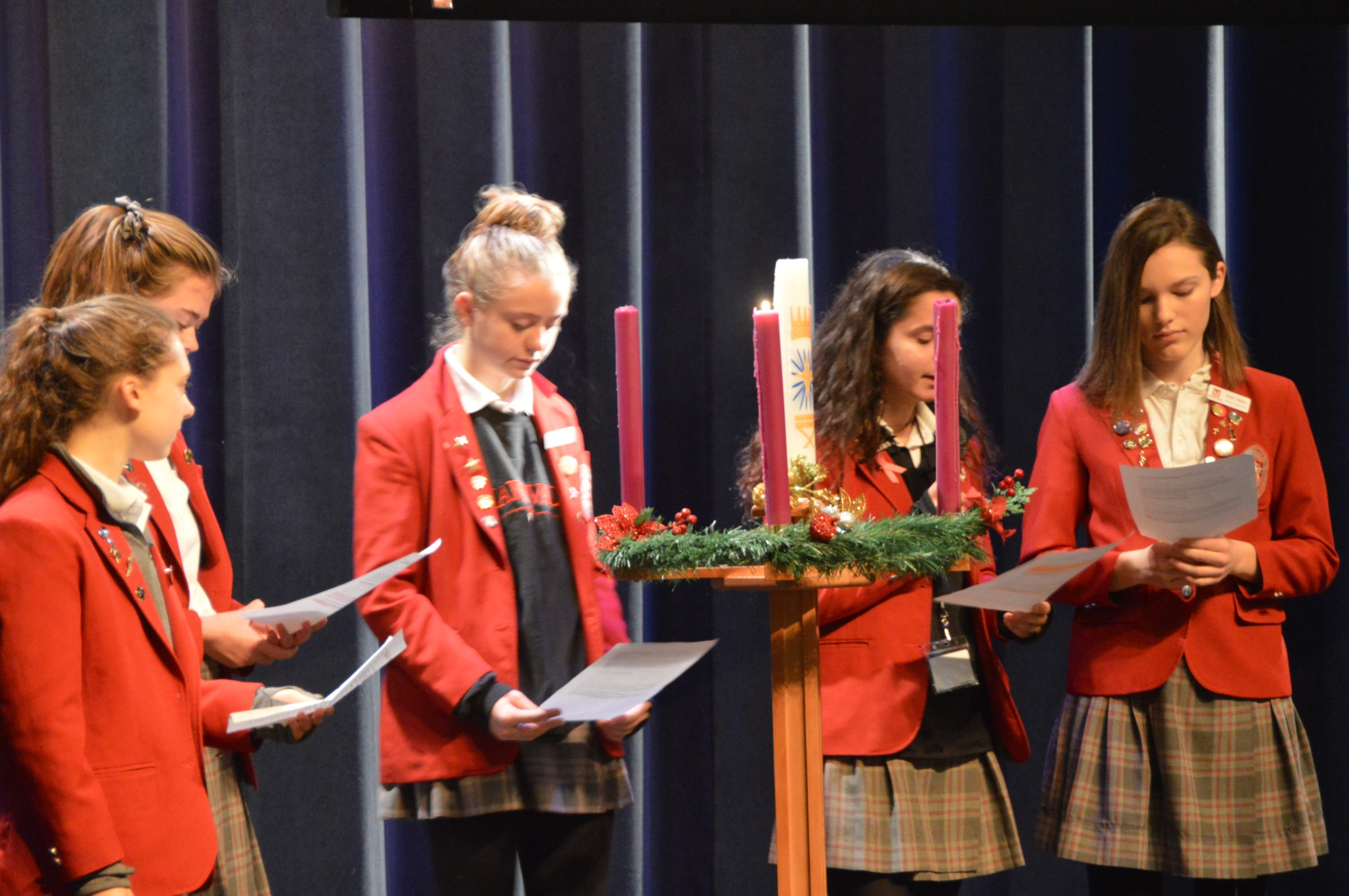 Maryvale students lead Advent prayer service