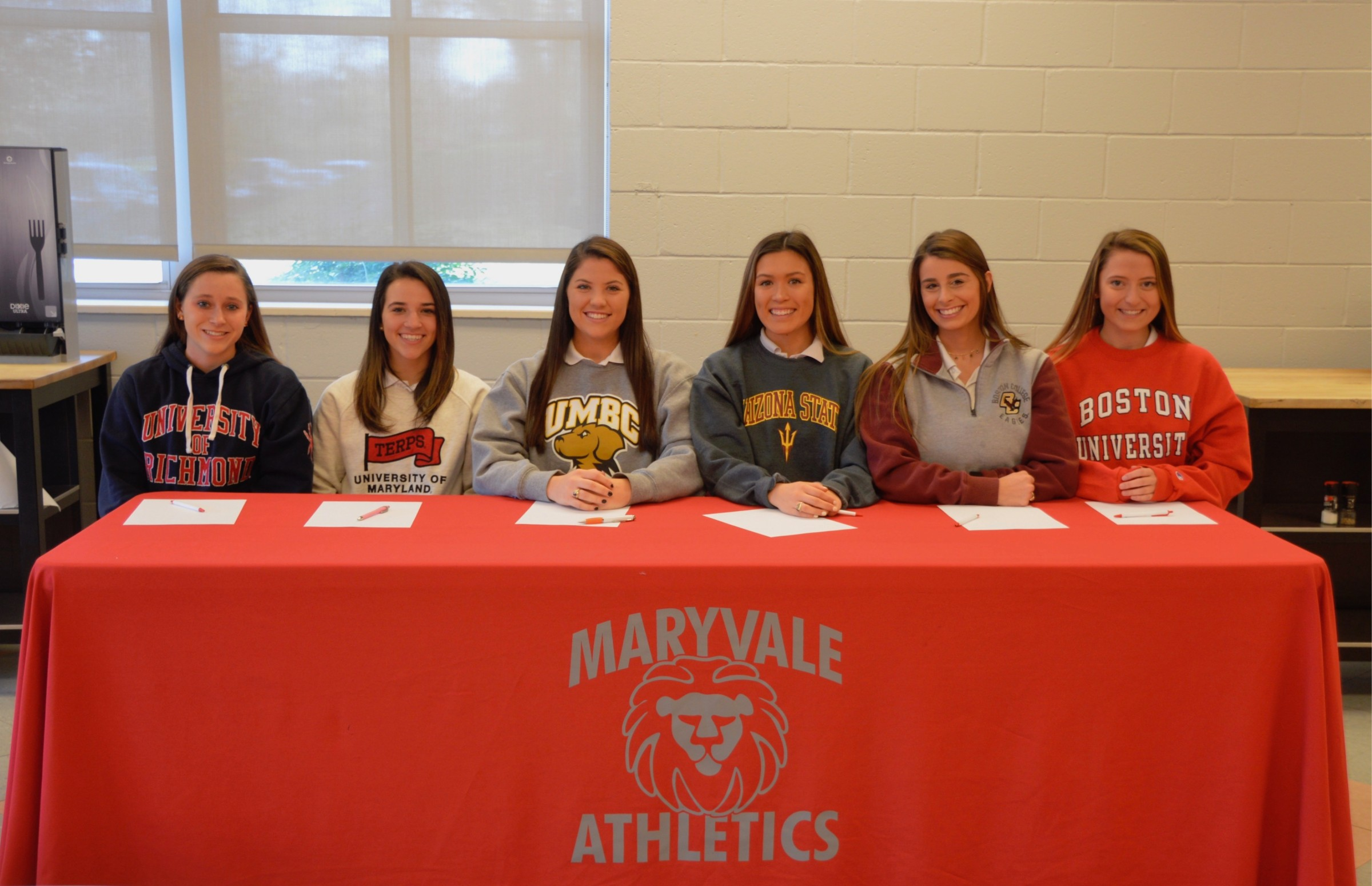 Maryvale Seniors Sign NLI